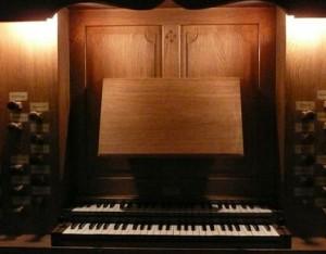 Console en fenêtre de l'orgue de Perros-Guirec