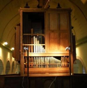 L'envers du décor volets ouverts (jeu de trompette au 1er plan)
