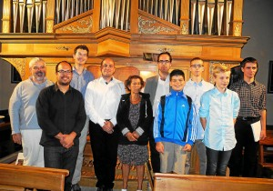 Paul Goussot entouré des stagiaires qui ont suivi son enseignement
